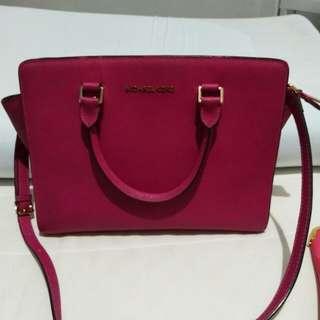 MK Selma pink Fuschia size 32x 26cm.gutkond. db polos
