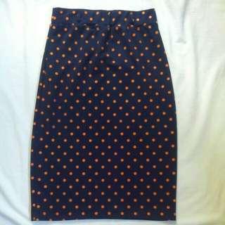 Polka dot pencil-cut skirt