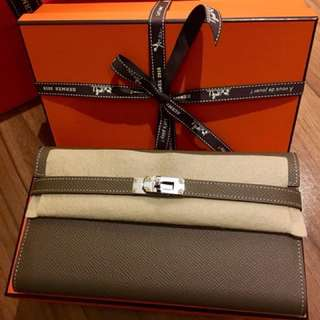 Brand New Hermes Kelly Classic Wallet Etoupe color