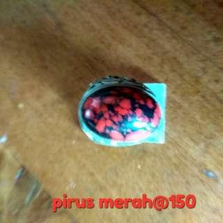 Pirus merah