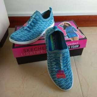 SKECHERS Women Shoe
