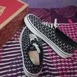 VANS AUTHENTIC SAYING ORI100%