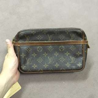 Authentic louis vuitton lv compeigne 23 Clutch