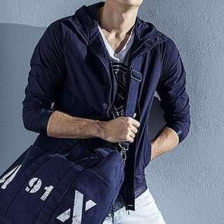 🚚 Armani 下襬大logo 連帽輕薄運動外套(購於專櫃)