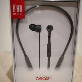 Beats X earphone