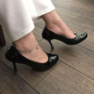 Austin black heels