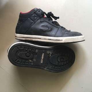 TOMKINS Black shoes size 37 US 5 / sepatu anak hitam branded