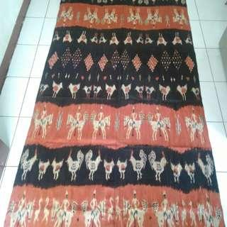 Kain ikat tradisional