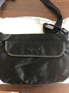Agnes b 斜揹袋 黑色
