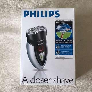 Philips 充電鬚刨