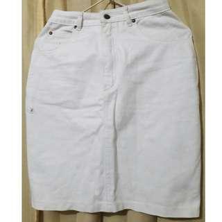 I08 Country Fiesta rok jeans putih pendek