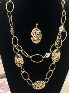 A set of elegant n classy necklace n ear rings fm MONET. Made in USA. Brand new pc.