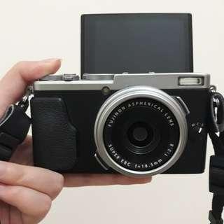 Fujifilm x70 mirrorless