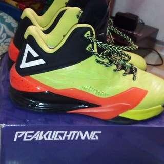 PEAK Lightning basketball shoes