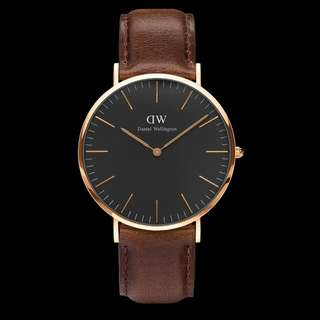 Dw daniel wellington classic black Bristol 40mm cowok 36mm cewek cuople. Original.  Lengkap box needlepin manual book garansi dan paperbag. garansi internasional 1th.