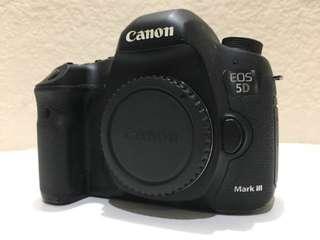 Cash/credit cannon eos 5D body only garansi resmi