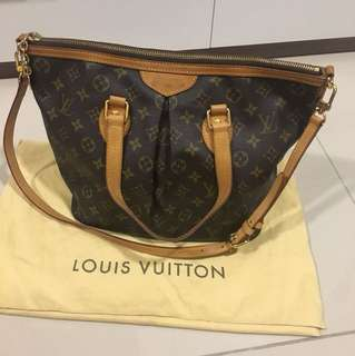 Louis Vuitton Authentic 💝3600 nego