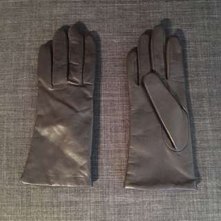 Danier/ Thinsulate gloves, small