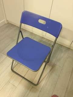 IKEA 摺椅2張