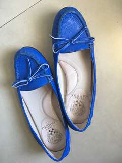 Authentic VINCE  CAMUTO loafers
