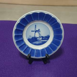 Vintage Dutch scenery Porcelain Plate 16 cm dia (Self collection)