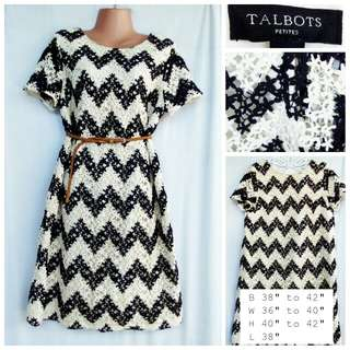 Preloved Lace Plus size dress