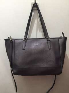 Authentic coach leather dual hand and crossbody bag