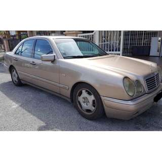 MERCDES BENZ E240 V6