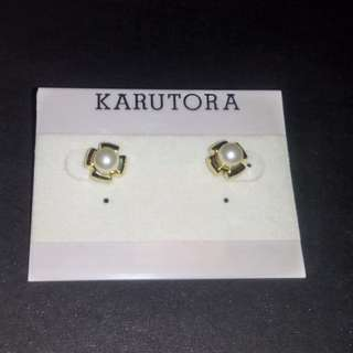Pearl earrings 06