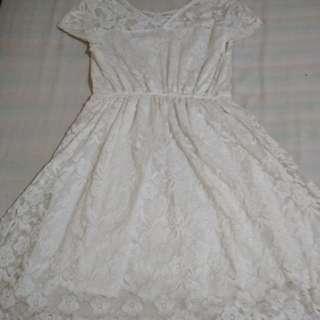 Mint&Co Broken white brukat dress
