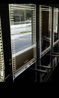NEW IN BOX - ELITE LED ILLUMINATION LIGHT BY GLAMCOR WITH CASE