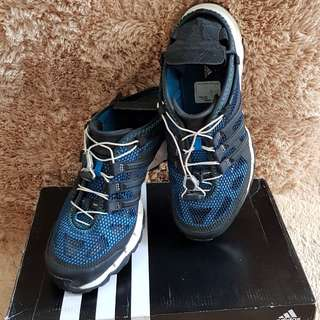 Adidas Hydroterra Shandal size 41