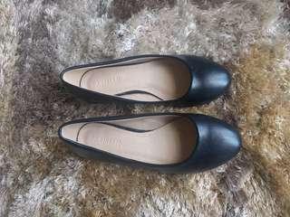 Parisian Black Flats size 35