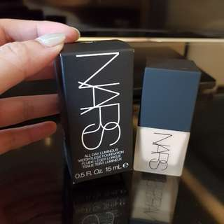 NARS Narsissist All Day Luminous Weightless Foundation 15ml Light 4 Deauville travel size