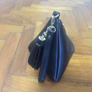 Cute triangle black bag