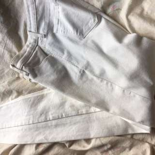 🚚 UNIQLO 白褲