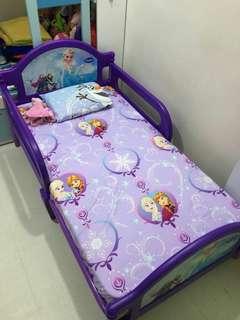 Disney 冰雪奇缘兒童床 反鬥車王 Hello Kitty 公主款 海綿寶寶 芝麻街 (包快遞)