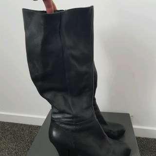 Isabella Anselmi leather boots