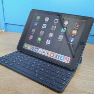 "99% new 9.7"" iPad Pro LTE with Smart Keyboard"