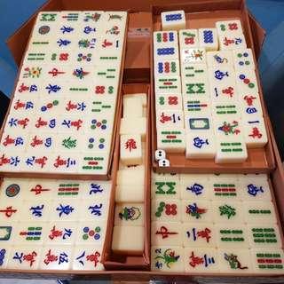 Mahjong Set & Table