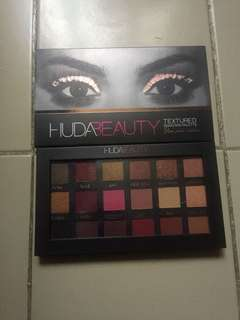 Huda Beauty RoseGold Eyeshadow Palette
