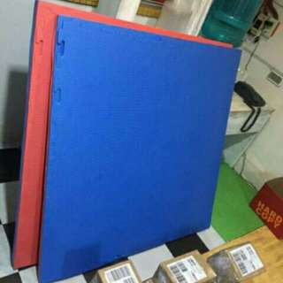 Puzzle mat blue pink color