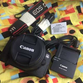 Canon eos 700d with 18 55mm is lens and accesories box