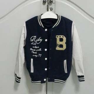 Size M bomber jacket