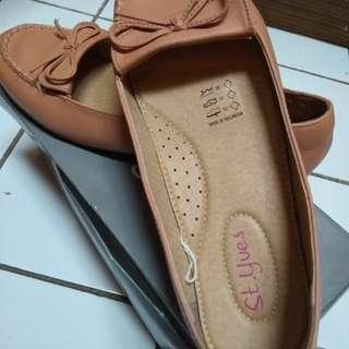 Sepatu flat st.yves