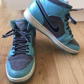 Men's Nike air Jordan 1 retro style size 9.5US