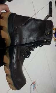 Sepatu safety kulit asli handmade
