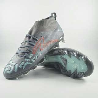 Sepatu bola specs originak