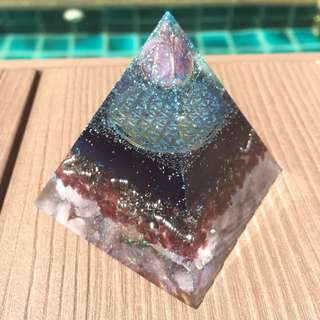 Orgone Pyramid (Flower of Life)