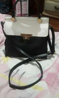 Classy bag /sling bag